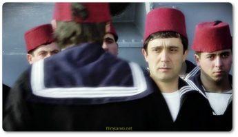 Yıllardır kimsenin sahip olamadığı konağın sahibi Melek Hanım sütoğlu Şaban sanıp da Şaban'ın arkadaşı Ramazan'ı eve alır. Fakat sinirli abisi Hüsamettin'e Ramazan'ı damadı Bayram olarak tanıtır.